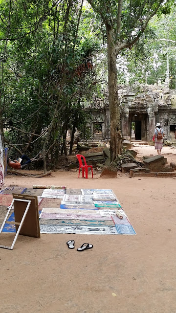 Pinturas sobre papel de arroz en Angkor