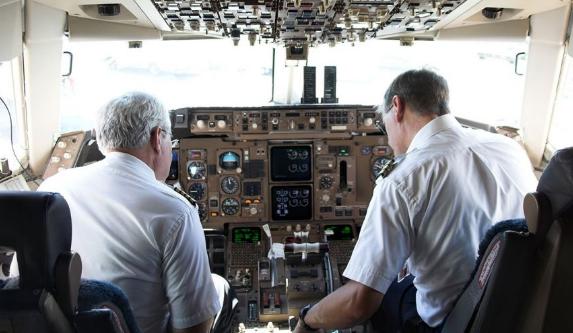 7 Rahasia Mengejutkan Tentang Perjalanan Udara (Pesawat Terbang)