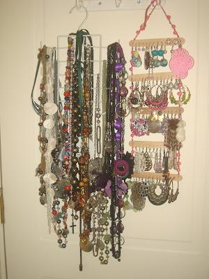 Mi rinc n decoraci n - Como colgar collares ...