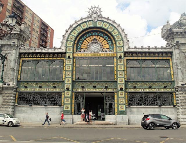 Tågstation i Bilbao
