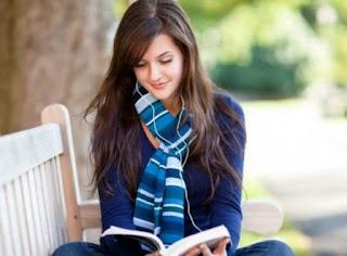 Ini Dia 7 Jurusan Kuliah yang Cocok untuk Wanita Introvert