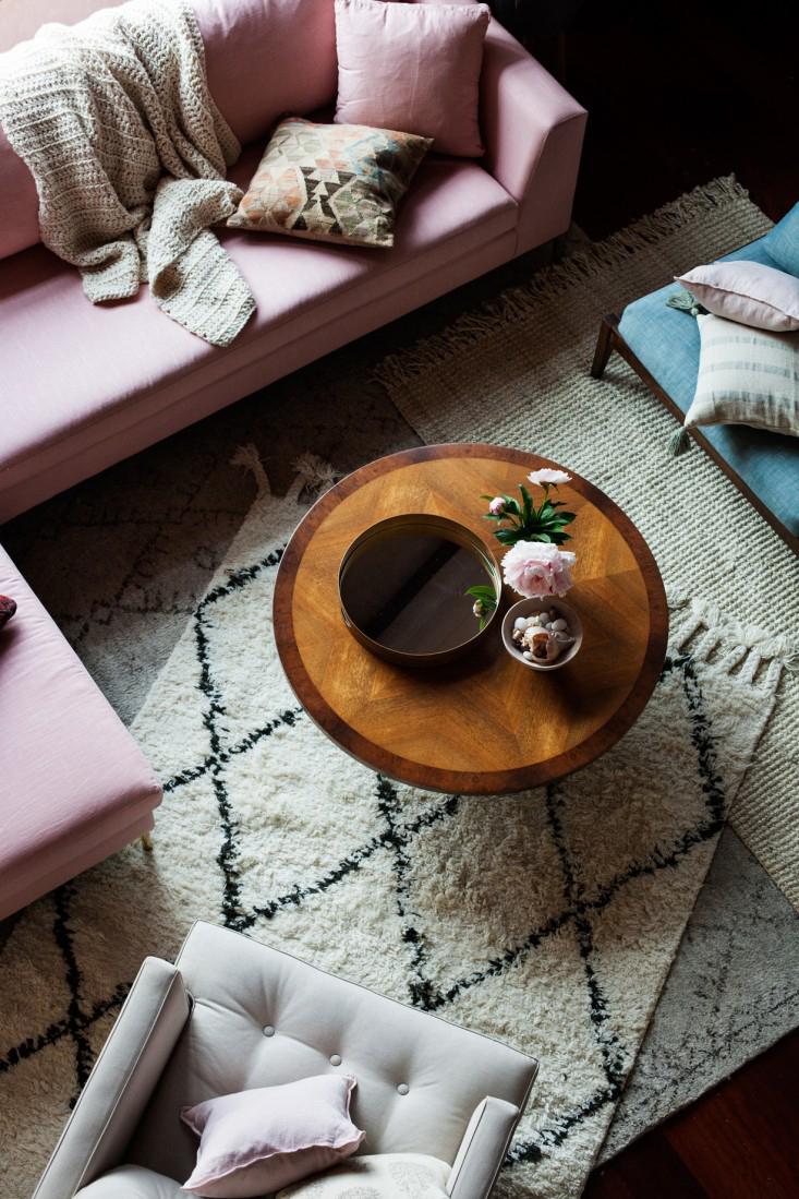 Cómo decorar un sofá sosete