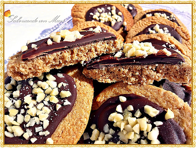 Galletas de avena con manteca de almendra y chocolate
