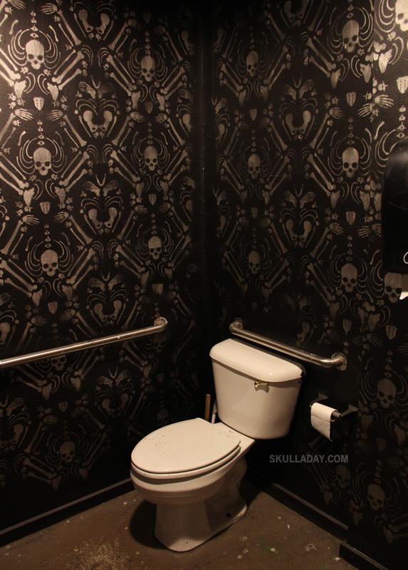 Skull Bathroom Decor: [BONUS] 408. Skeleton Damask
