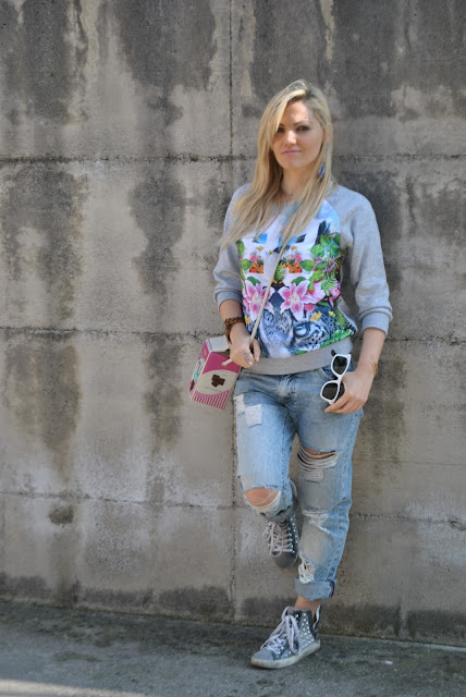 outfit felpa stampa giungla come abbinare la felpa stampa giungla how to wear jungle printed sweatshirt outfit primaverili spring outfit outfit marzo 2016 march outfit mariafelicia magno fashion blogger color block by felym fashion blogger italiane fashion blog italiani fashion blogger milano blogger italiane blogger italiane di moda blog di moda italiani ragazze bionde blonde hair blondie blonde girl fashion bloggers italy italian fashion bloggers influencer italiane italian influencer