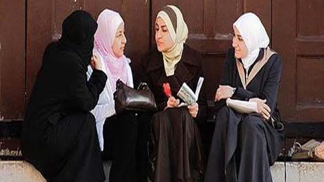 BEGITU INSPIRATIFNYA, KISAH SEORANG MUSLIMAH YANG TAK LELAH MEMBERI NASEHAT PADA SAHABATNYA