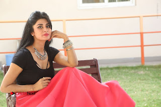 Telugu Actress Harini Stills at Dhyavudaa Movie Teaser Launch  0425.JPG