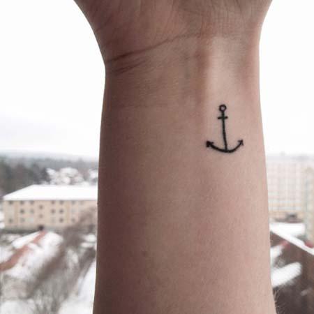 Tatuagens de âncoras para as mulheres