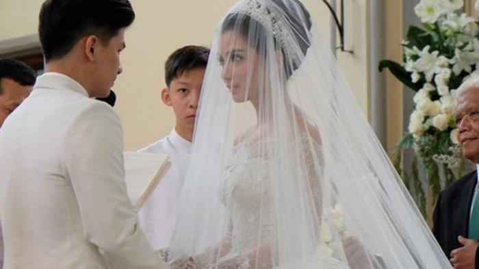 Di Kota Ini, Orang Hanya Boleh Menikah Jika Saling Jatuh Cinta