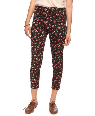 Jogger Pants. Get comfy in Tobi's fine line of women's jogger pants! Materials range from crepe and satin to jersey cotton. Among our many jogger styles are sweat pants, jumpsuits, harem pants.