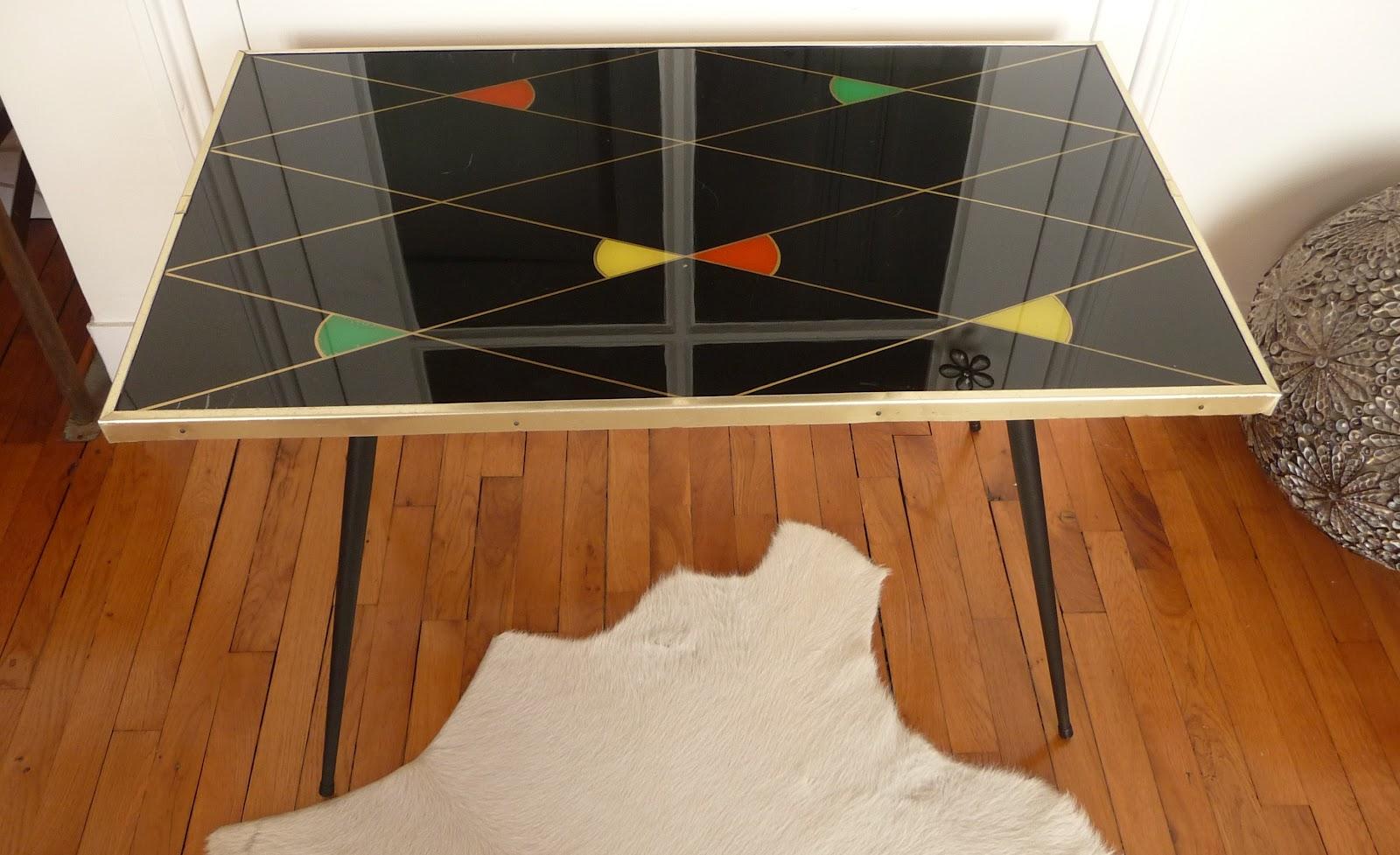dur e de vie ind termin e table basse ann e 50. Black Bedroom Furniture Sets. Home Design Ideas