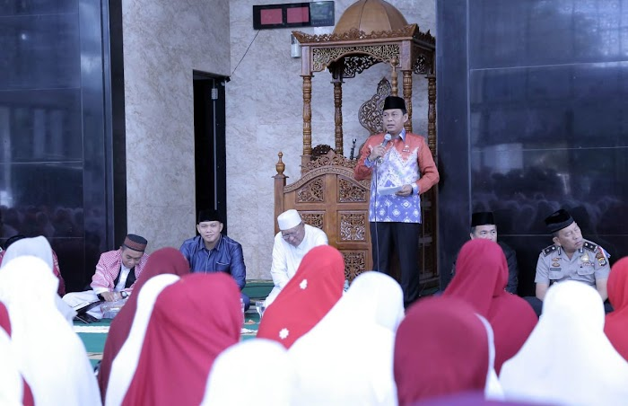 Pemkab Lamsel Memperingati Isra' Mi'raj di Masjid Agung Kalianda Lamsel