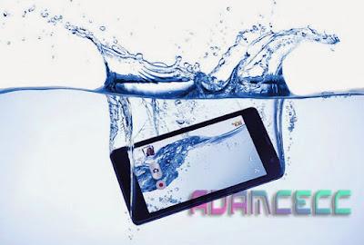 cara menghilangkan air di layar hp
