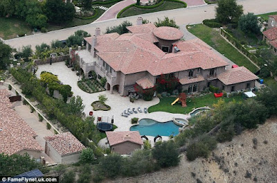 Kylie-Jenner-House-Luxurious