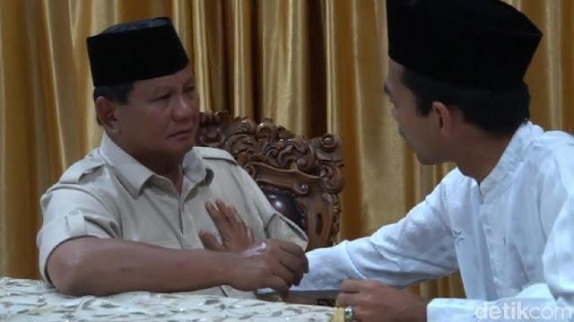 Dukungan UAS ke Prabowo Rontokkan Suara Jokowi di Jatim