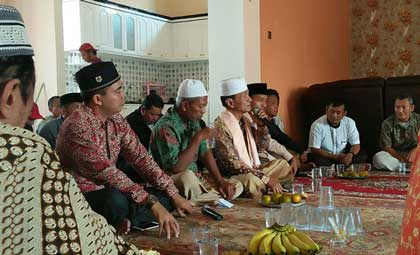 bacabup cirebon yon haryono gelar halal bihalal