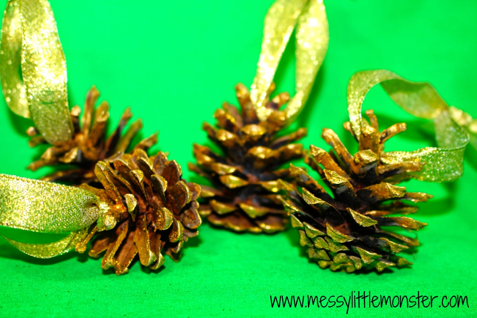 pine cone tree decoration craft for kids.