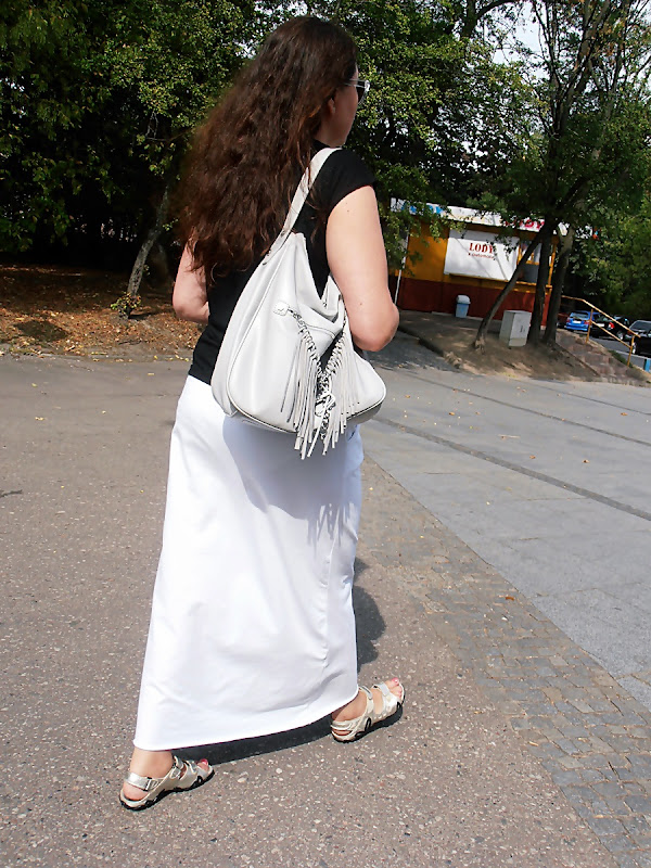 white skirt with a jersey and stay in Bialystok...
