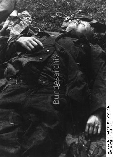 The corpse of a dead German soldier, 4 July 1941 worldwartwo.filminspector.com