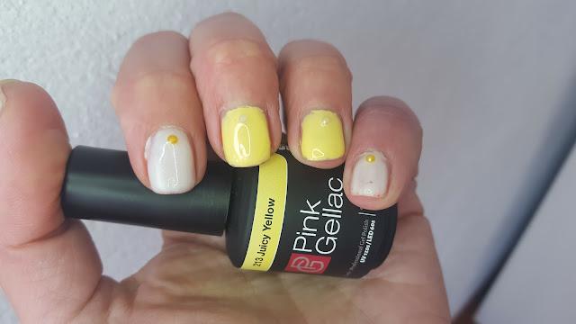 Manicura semipermanente amarilla y blanca