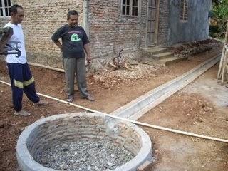 Membuat Sumur Resapan Dengan Talang Air