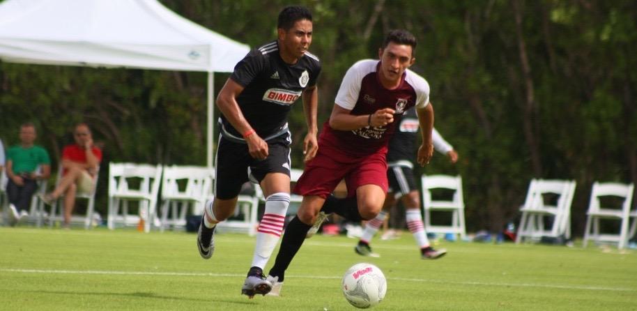 Néstor Calderón se estrenó con la playera del Rebaño.