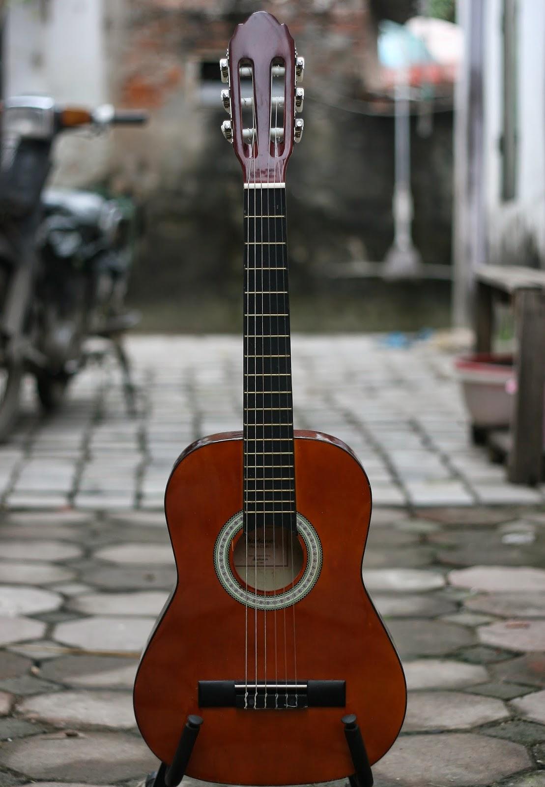 đàn ghita nhỏ cho trẻ con