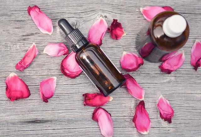 4 sposoby na stosowanie olejów w pielęgnacji twarzy