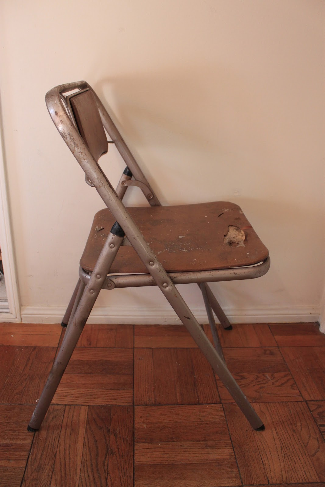 Cool Vintage Samsonite Folding Chairs Get A Makeover Queen B Cjindustries Chair Design For Home Cjindustriesco
