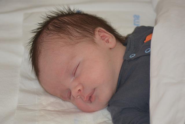 warum babys nicht alleine einschlafen wollen. Black Bedroom Furniture Sets. Home Design Ideas