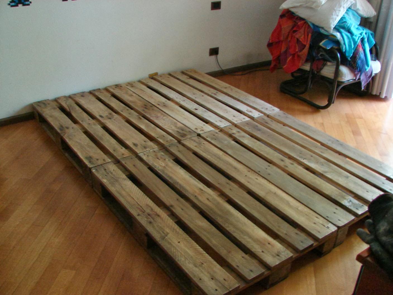 Mettere Il Materasso Per Terra wearecomplicated: letto con [pallet / bancali]: costruzione