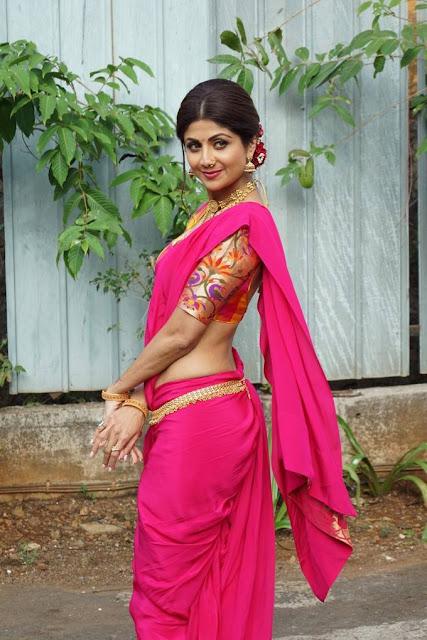 Shilpa Shetty Stills At Super Dancer Chapter 2 Set