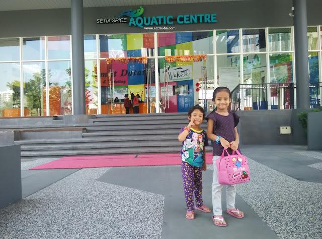 Cik Puteri di Setia Spice Aquatic Centre Penang, setia spice aquatic centre, tempat menarik di penang, tempat santai petang di penang, mandi di aquatic centre SPICE penang, spice penang, tempat mandi kanak-kanak di penang,