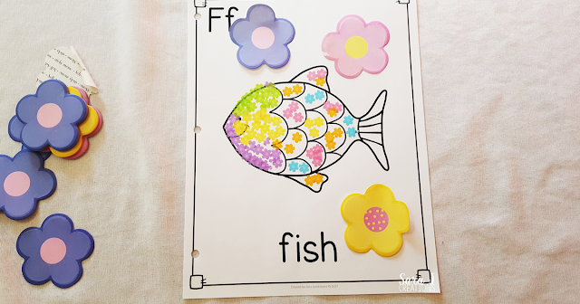 Letter F Activities that would be perfect for preschool or kindergarten. Sensory, art, fine motor, literacy and alphabet practice all rolled into Letter F fun.