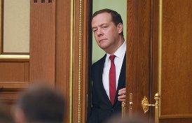 Где пропадает Медведев, и готовят ли ему замену