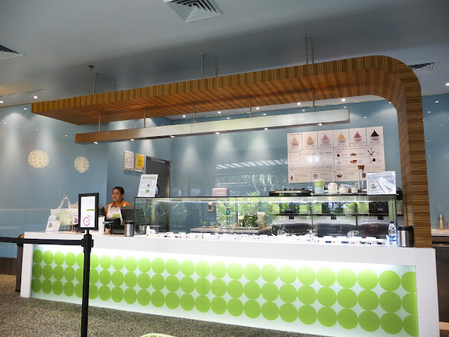 Pinkberry Greenbelt 5  store interior