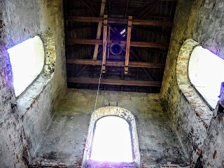 Клевань. Костел Благовіщення Діви Марії. 17 ст. Дзвіниця