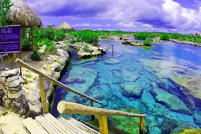Kolam Renang Alami Pantai Widiombo
