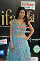 Amyra Dastur in Flower Print Choli Transparent Chunni at IIFA Utsavam Awards 22.JPG