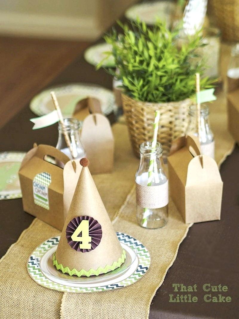 Crocodile Birthday Party Ideas - via BirdsParty.com