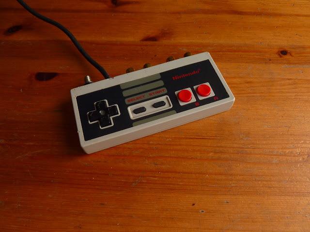 Un pré-ampli phono dans une manette NES