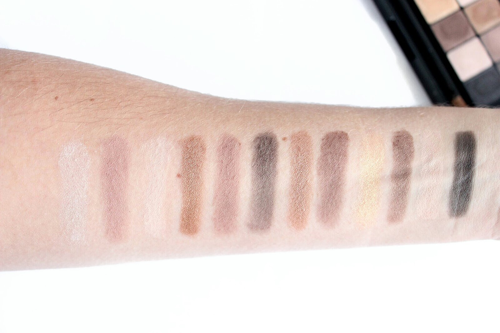 Swatches of Maybelline The Nudes Eyeshadow Palette