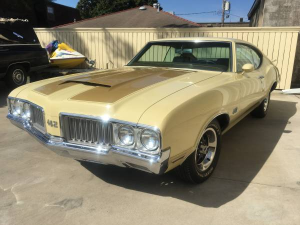 Holiday Coupe, 1970 Oldsmobile 442 - Buy American Muscle Car