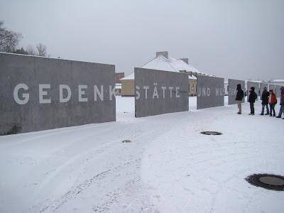 Muro de entrada do Campo de concentração de Sachsenhausen