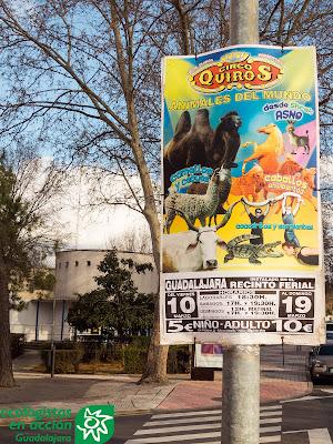 Cartel de circo con animales