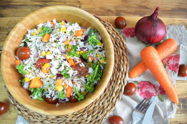 baja en grasa, bajar de peso, ensalada de arroz con quinoa, ensalada de arroz con quinoa y verduras, ensalada de quinoa, ensaladas, ensaladas fáciles y rápidas, quinoa, quinua, receta vegana, las delicias de mayte,