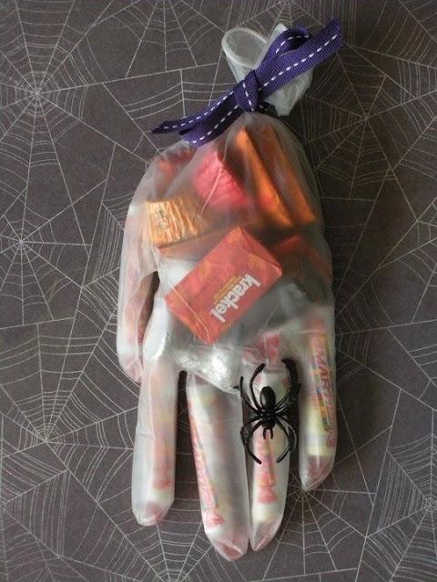 Halloween gant bonbons cadeau