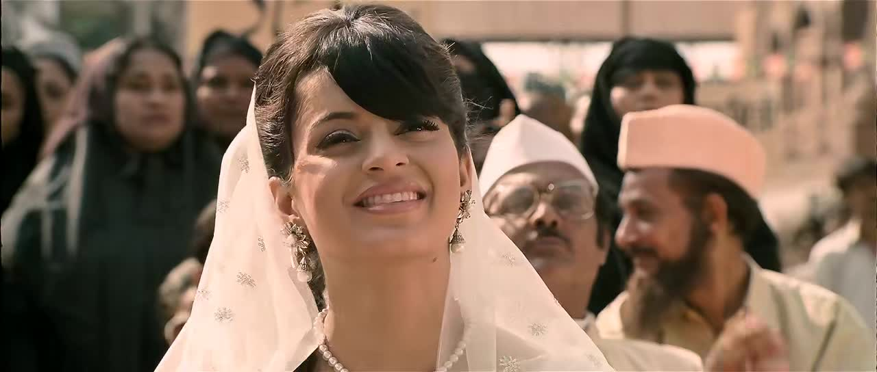 Screen Shot Of Once Upon A Time In Mumbaai 2010 Full Movie Free Download 700MB 720P HD HEVC Watch Online movies365.in