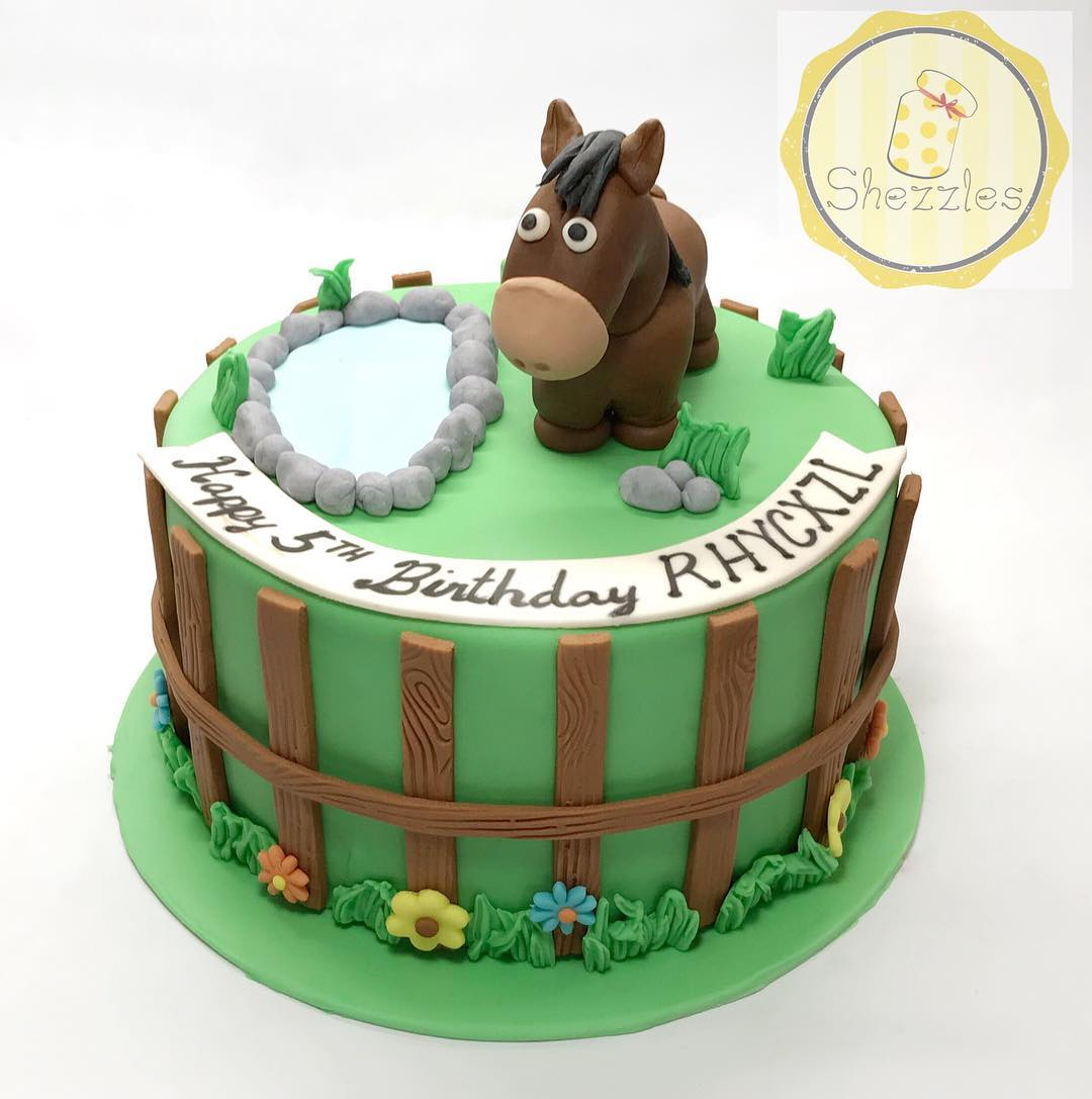 Stupendous Shezzles Cakes And Pastries Horse Theme Cake And Cupcakes Funny Birthday Cards Online Alyptdamsfinfo