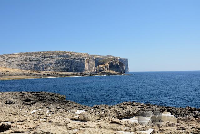 obok Azure Window znajduje się ciekawa formacja skalna – Fungus Rock. Jest to główna atrakcja na wyspie Gozo na Malcie